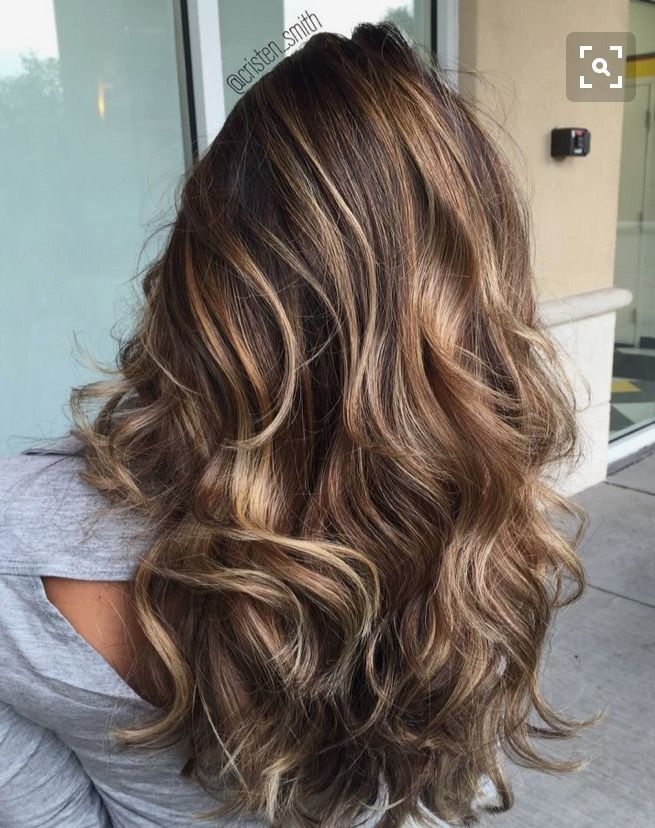 Beautiful Medium Length Brunette Wavy Hair Hair Styles Balayage