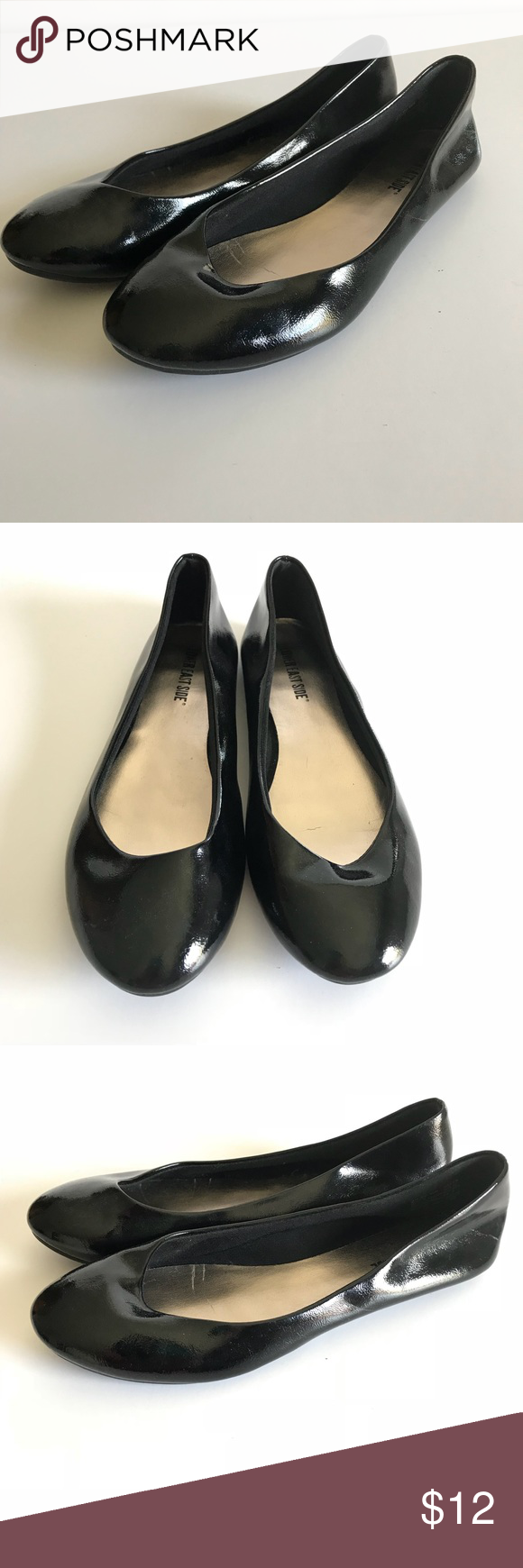 9989b120ee1c Smooth Faux Leather Simple Black flats slip on Good condition women s simple  black patent leather flats