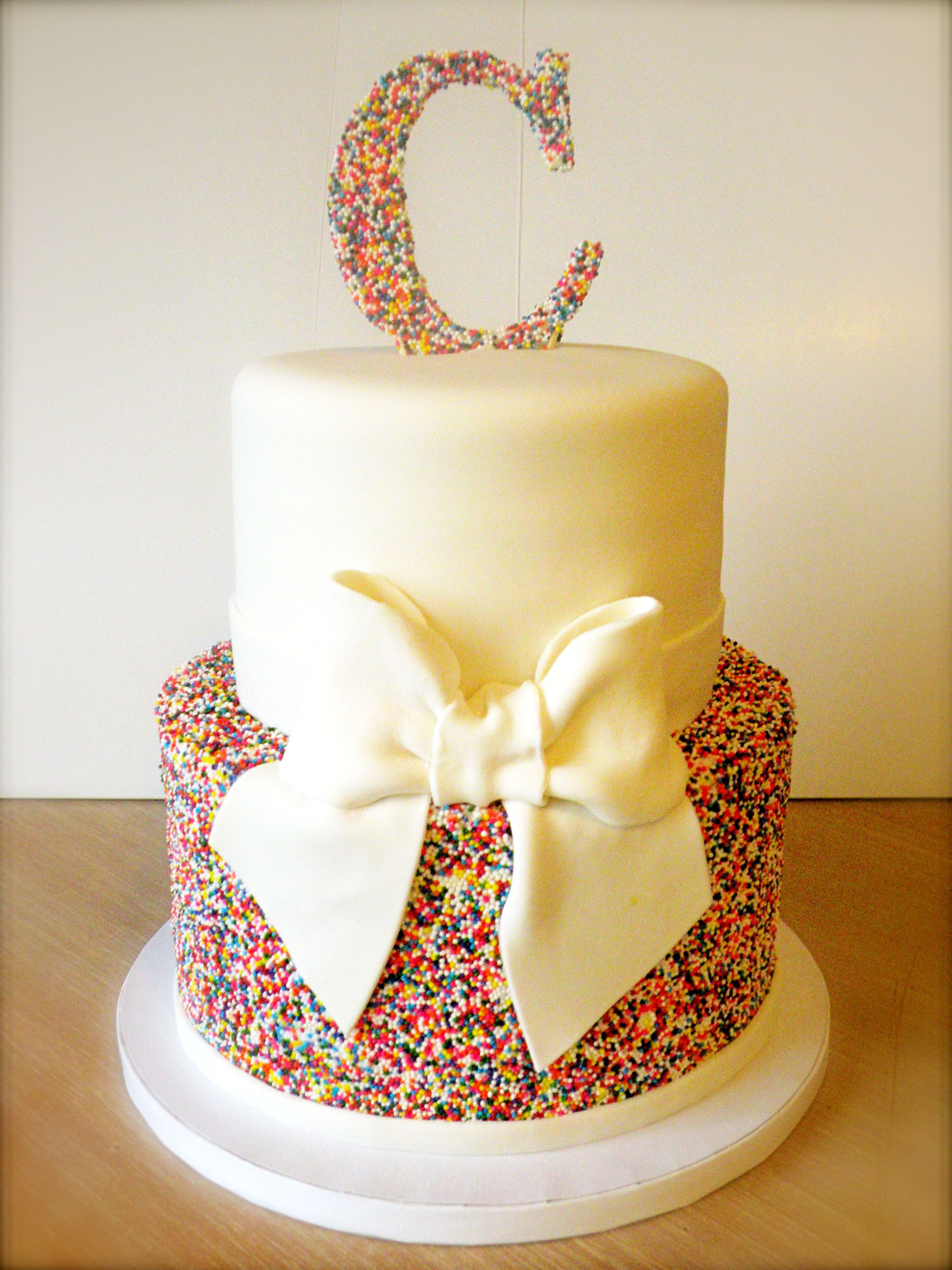 Natalie s creative cakes animal cakes - Find This Pin And More On Taartjes Rainbow Sprinkles Wedding Cake