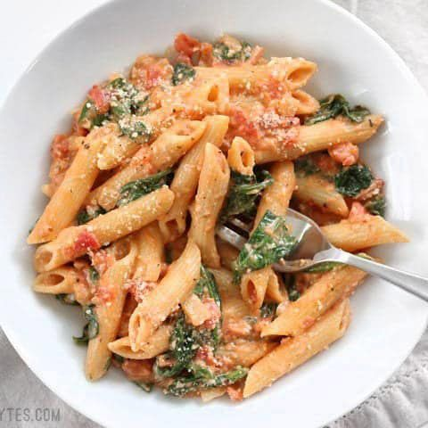 Photo of Creamy Tomato and Spinach Pasta is a fast an easy answer to dinner that the whol…