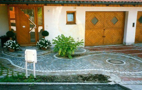 Garageneinfahrt gestalten kies  garage mit einfahrt und vorgarten | Hauseinfahrt | Pinterest ...
