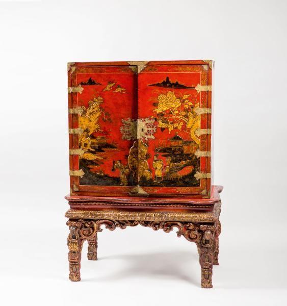 Cabinet Anglais En Vernis A Decor Or Et Noir En Relief De Chinois Dans Des Decoration Mobilier De Salon Art