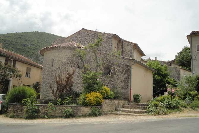CastelletEglise SainteCroix Escapades. House