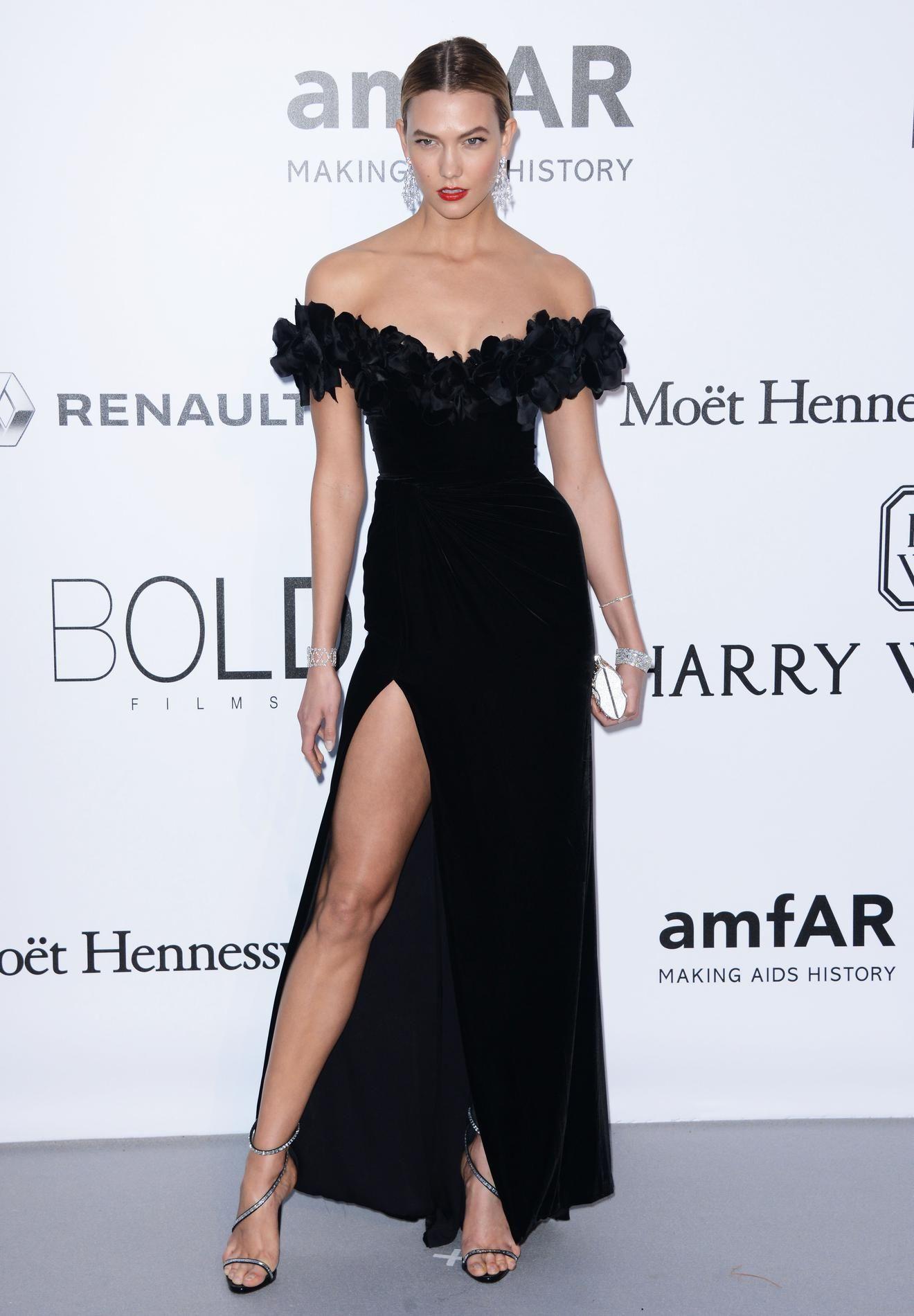 Marion Cotillard, Céline Dion, Julia Roberts... Les plus belles robes  noires des stars en 2016   Le Figaro Madame 69f0e415a624