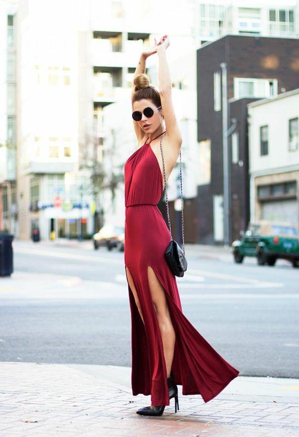 Rotes kleid schwarzer strumpfhose