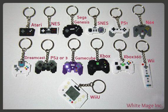 Video Game Controller Perler Bead Sprite Keychain por WhiteMageInc
