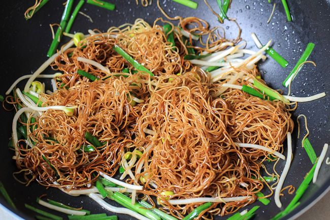 Soy Sauce Pan Fried Noodles Cantonese Chow Mein China Sichuan Food Chow Mein Asian Street Food Chow Mein Recipe