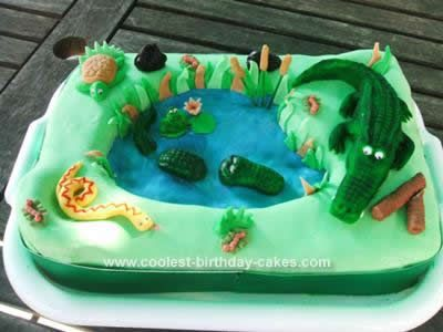 Stupendous Awesome Homemade Crocodile Birthday Cake With Images Dinosaur Funny Birthday Cards Online Alyptdamsfinfo
