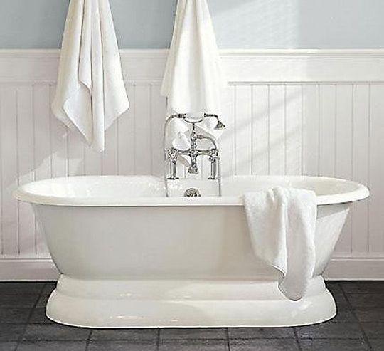 10 Luxurious Soaking Tubs Traditional Bathtubs Pedestal