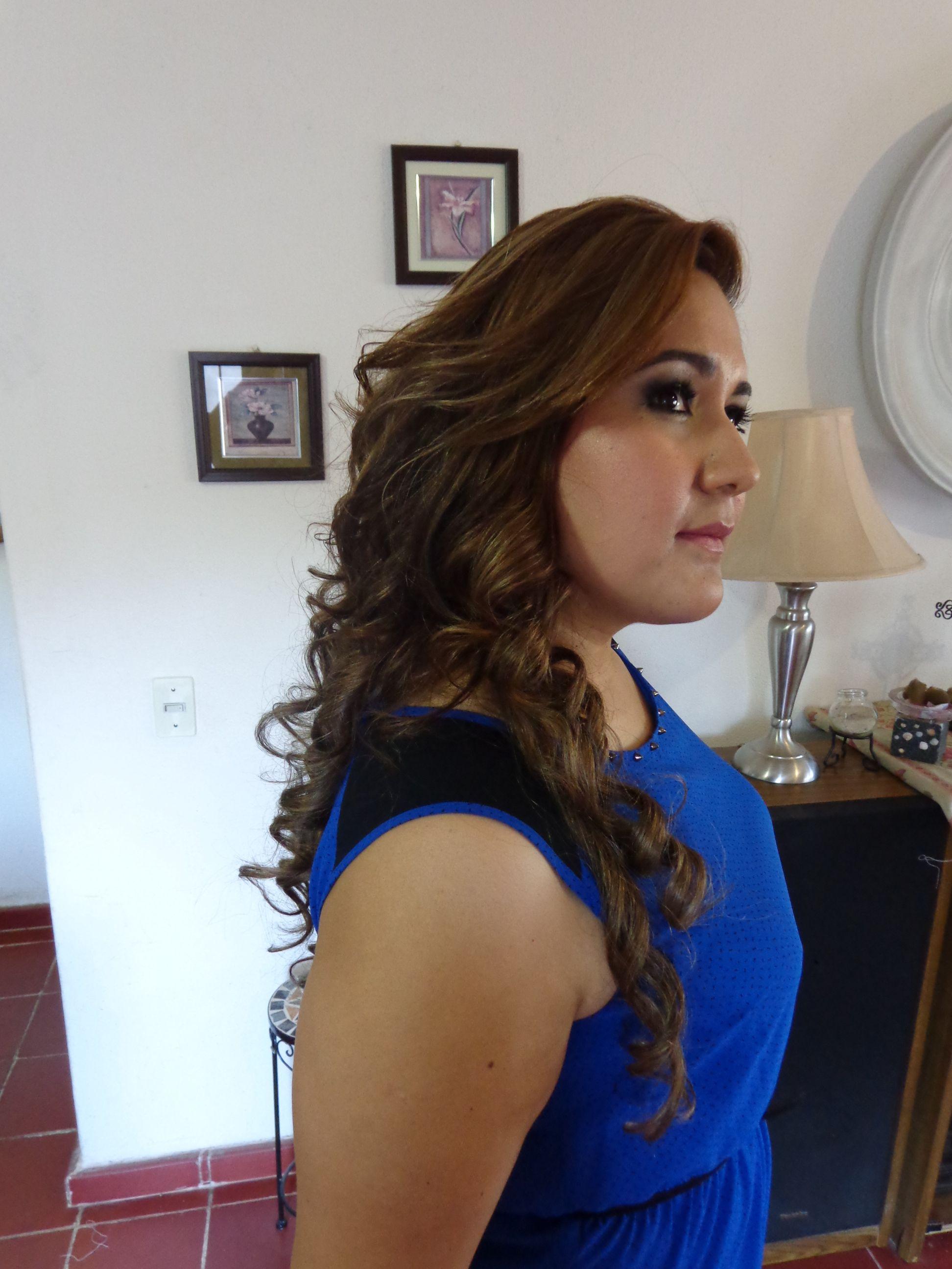 Más agudo peinados semi recogido Imagen de tutoriales de color de pelo - Peinado semi-recogido con ondas   Hair styles, Beauty ...