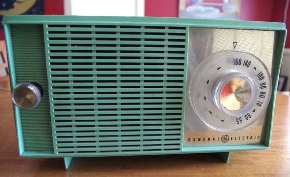 Mint Green Vintage 1950s GE General Electric Tabletop AM radio by retrowarehouse
