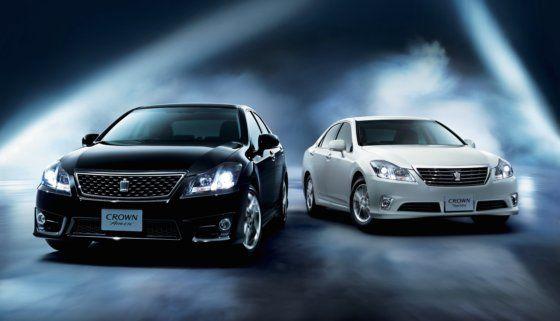 Toyota Crown Premium Edition