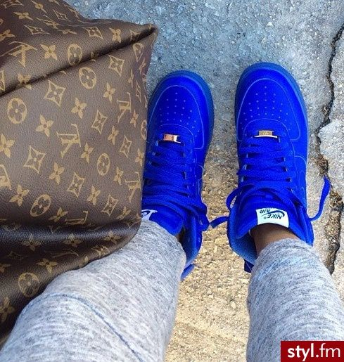 Blue nikes<3