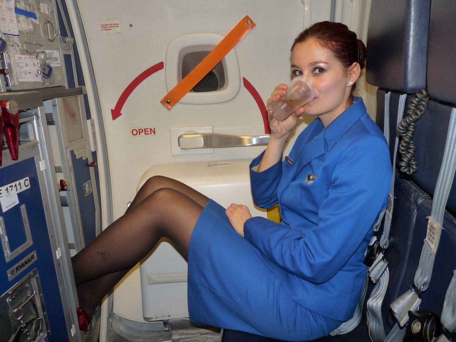 Стюардесса в колготках фотографии, Голые стюардессы на фото и обнаженные девушки » 13 фотография