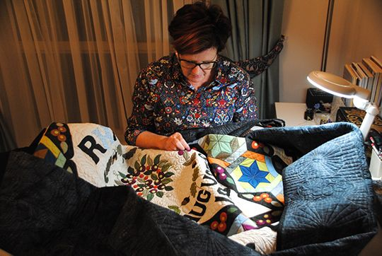Authors quilt on display in beatrix potters home applique quilts applique quilts spiritdancerdesigns Images