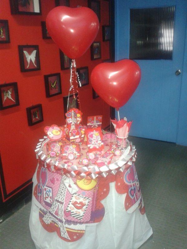 Para la celebraci n del d a de amor y amistad decora tu for Decoracion amor y amistad