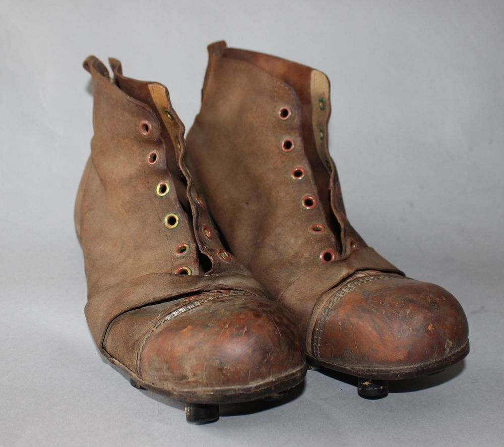 09710792726b Circa 1920 Brooks Co. leather tipped football cleats $85 | Vintage ...