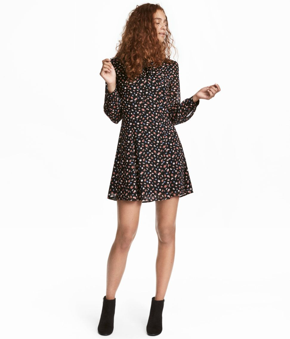 Check this out short dress in chiffon with a printed pattern v