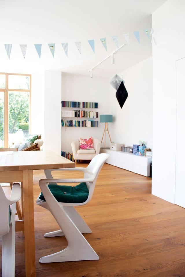 #vintage #stühle Am #Esstisch #weiß #z Chair #retro #holzboden #wohnzimmer  #interior Skandinavisch #home #deko | Französisches Bauernhaus | Pinterest