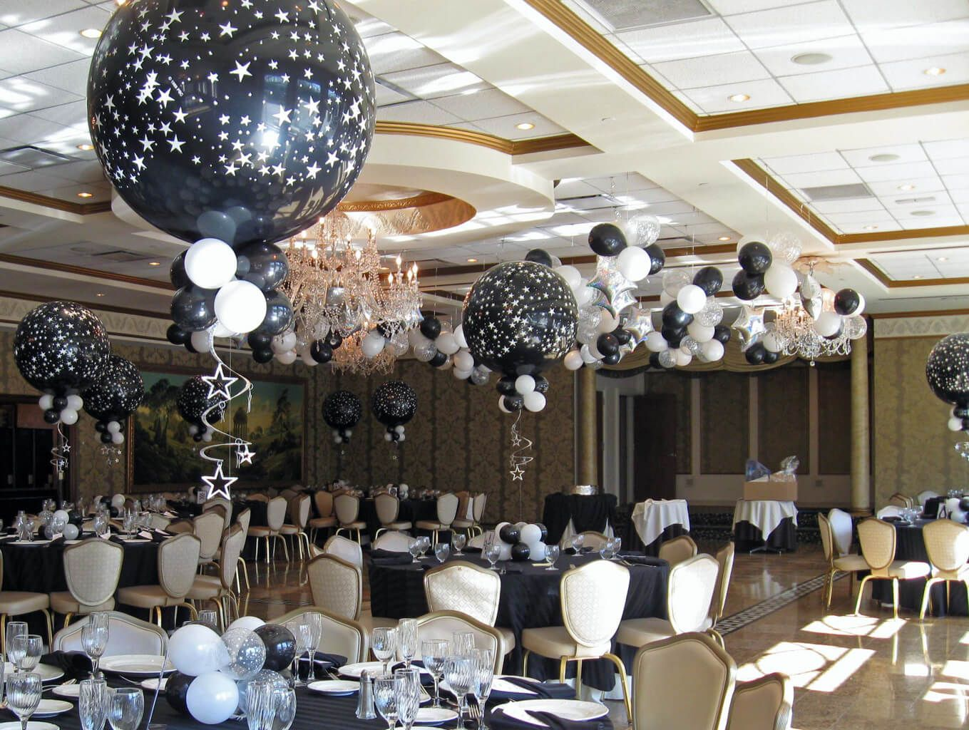 Black & White Star Balloons B&W Star Balloon Centerpieces with Floating Star  Mobiles