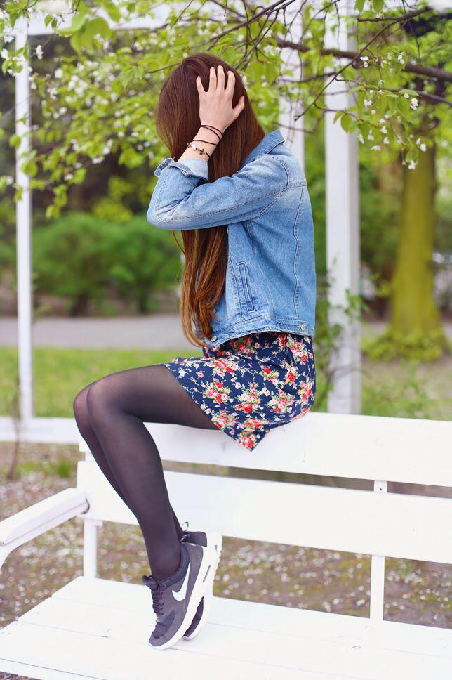 Jeansowa Kurtka Granatowa Sukienka W Kwiaty I Czarne Sportowe Buty Ari Maj Personal Blog By Ariadna