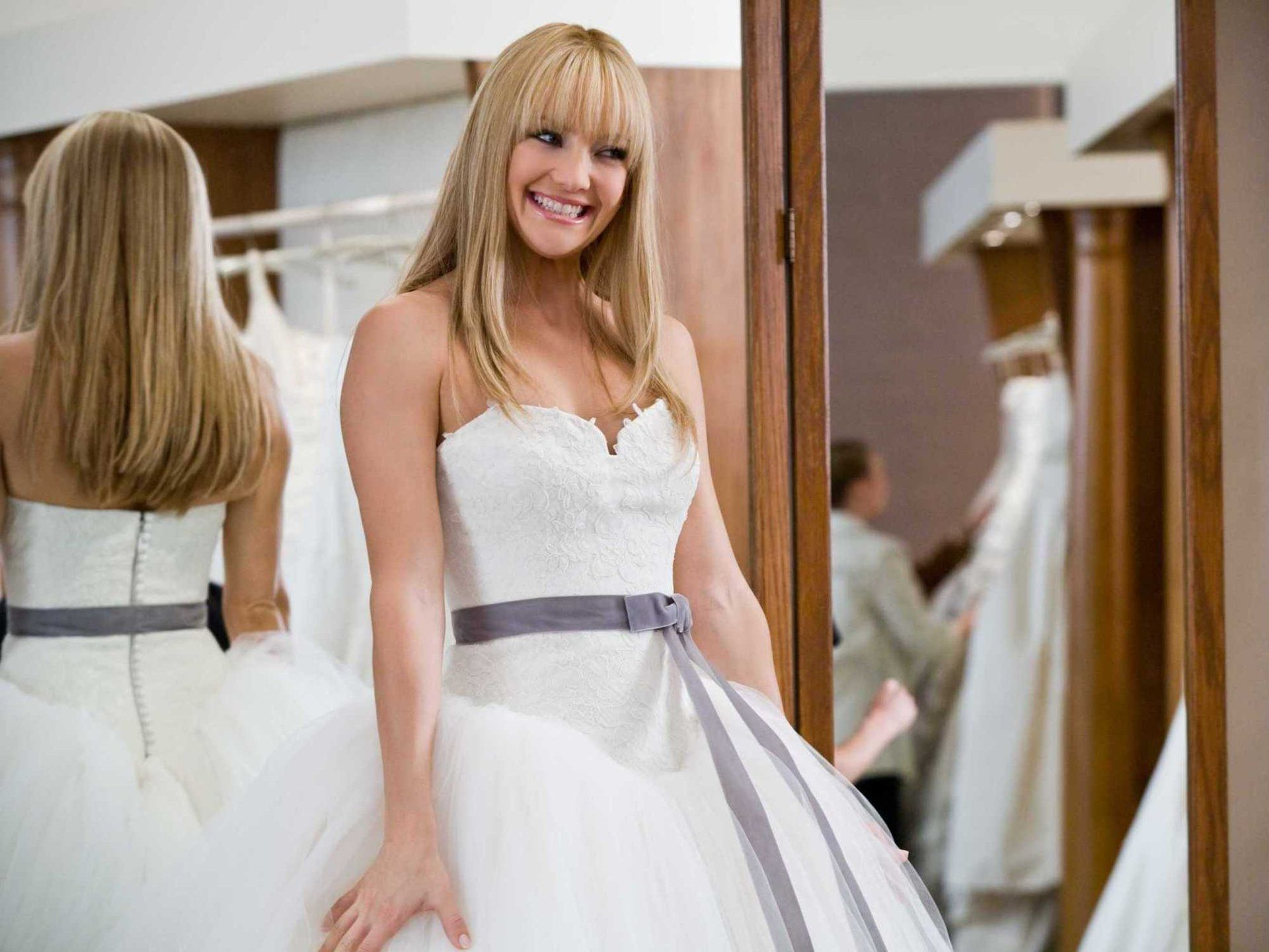 12 tricks that will save you hundreds on a wedding dress