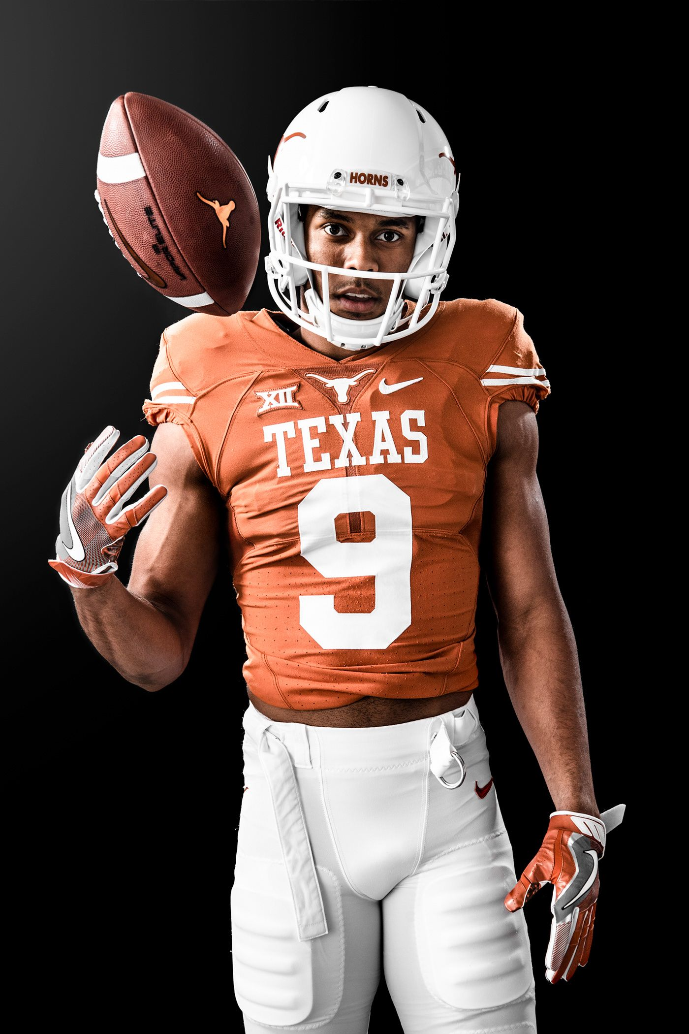 Pin By Slabedits On Photoshoot Poses Texas Longhorns Football Longhorns Football Texas Football