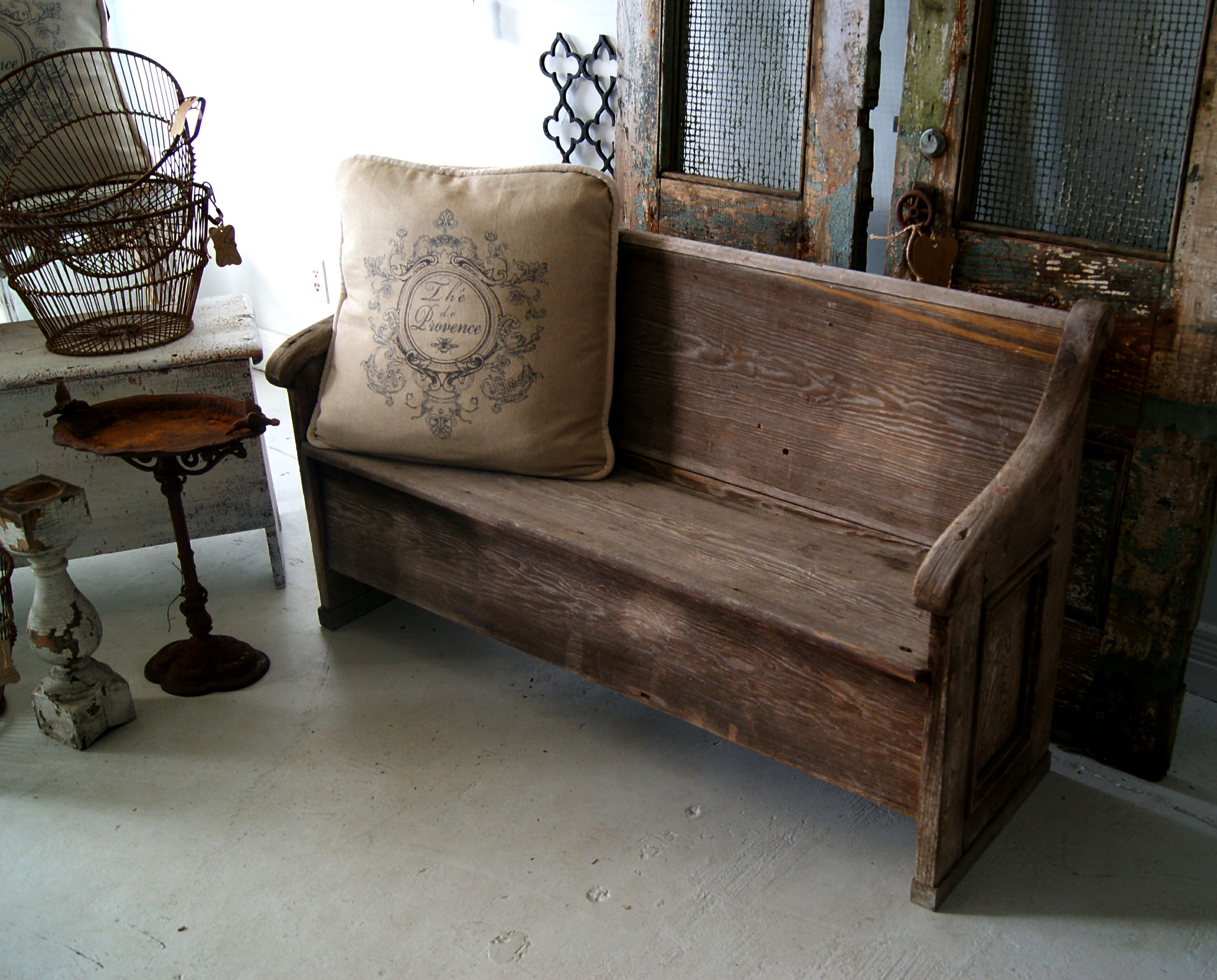 Rustic Church Pew Would Be Great At The Foot Of The Bed Church Pew Furniture Home Decor