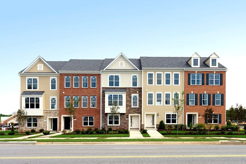 Wood Glen in Lanham, MD, now available for showing by Carl Reid https://goo.gl/swgIbO #NewHome #NewBuilt #RealEstate