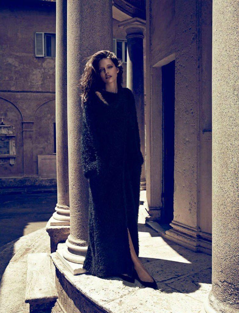 Emily DiDonato: VOGUE Spain. Photographer: Miguel Reveriego