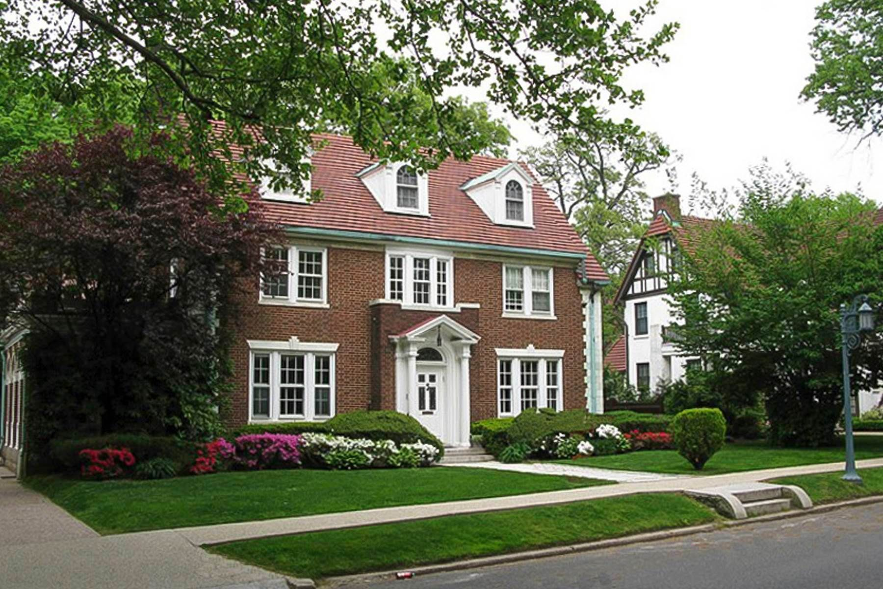 75fdc99a9e29d376a5fe1a57a8787722 - Forest Hills Gardens Real Estate Sotheby's