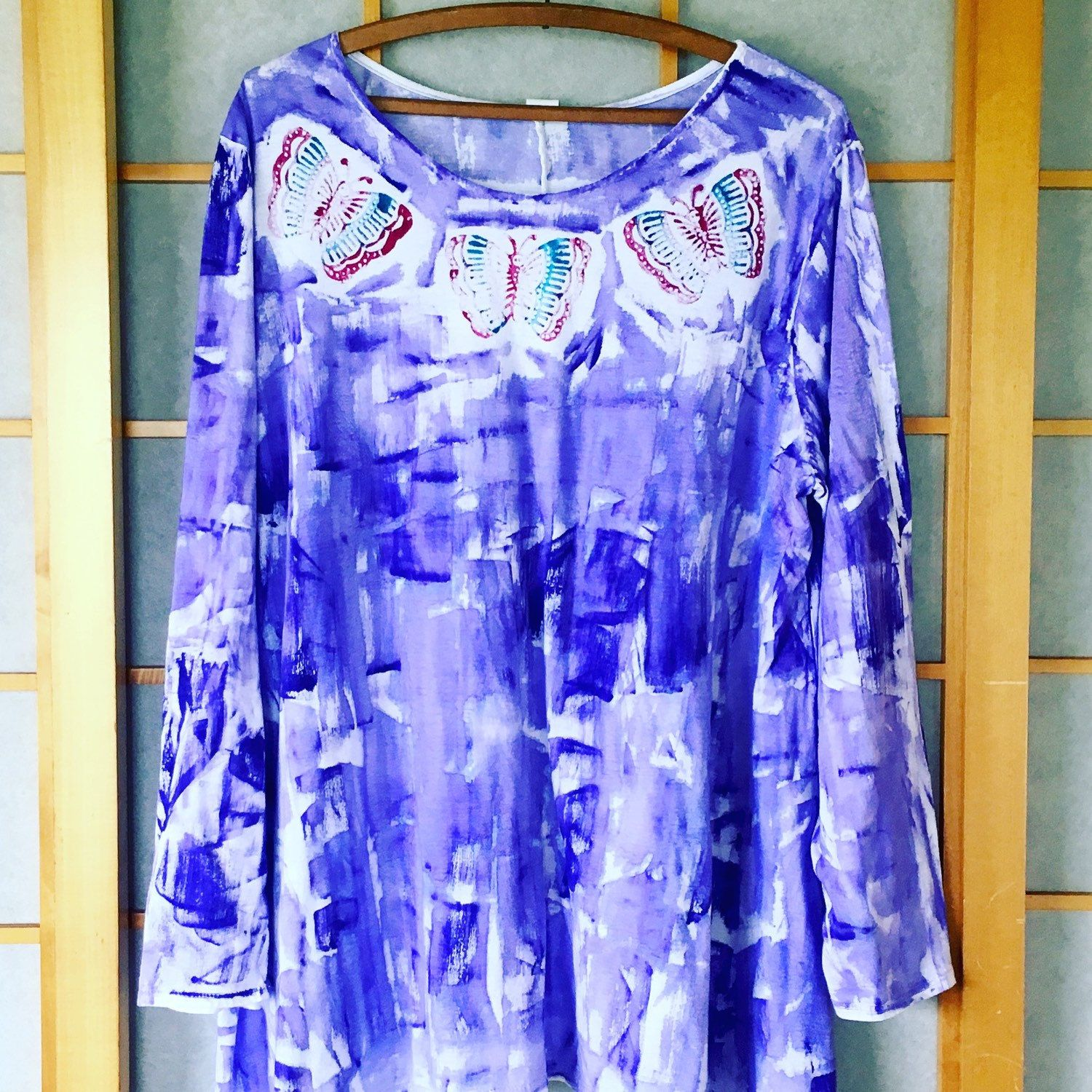 Beautiful light weight cotton tunic top sizes s - 2x.  Great layering/change of season piece.  Hand painted wearable art from Kaua'i Hawaii created with Aloha.