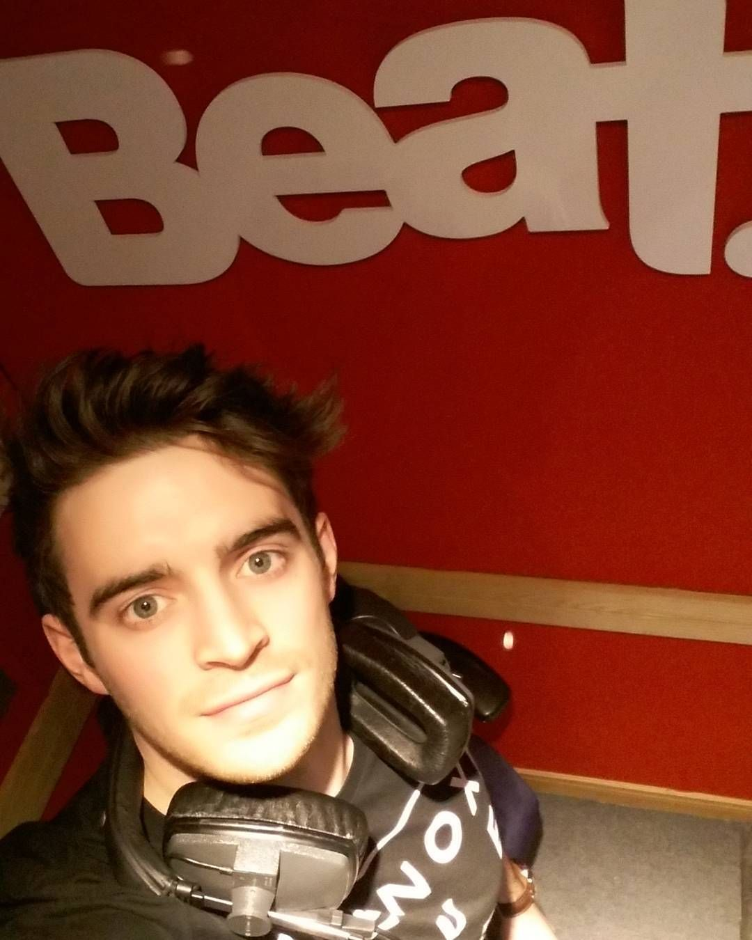 Hey it's @petercollins11 here on #TheTakeover what do you want to hear on tonights Threesome?? Comment below