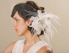 Le Hair Style selezionate dall'Atelier Miryam Pieralisi sapranno consigliarti e trovare l'acconciatura-sposa più adatta a te! Contattaci per maggiori info!