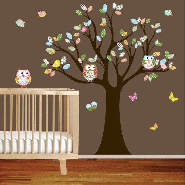 muursticker boom met uilen en gekleurde blaadjes. | muurstickers, Deco ideeën