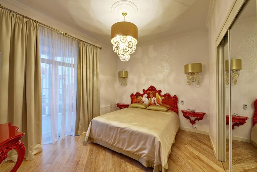 10 Splendid Modern Master Bedroom Ideas Color Red Gold