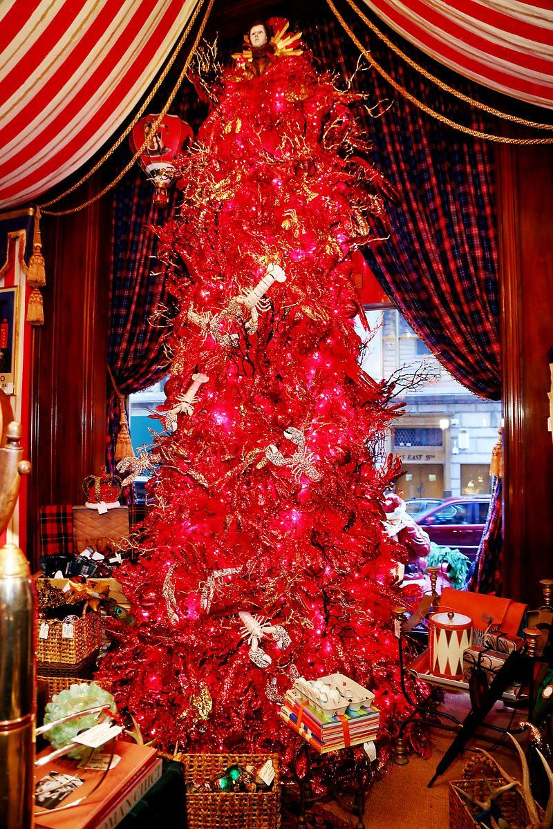 this red christmas tree is straight fire the red lobster ornaments take the christmas decor to the next level - Red Lobster Open On Christmas