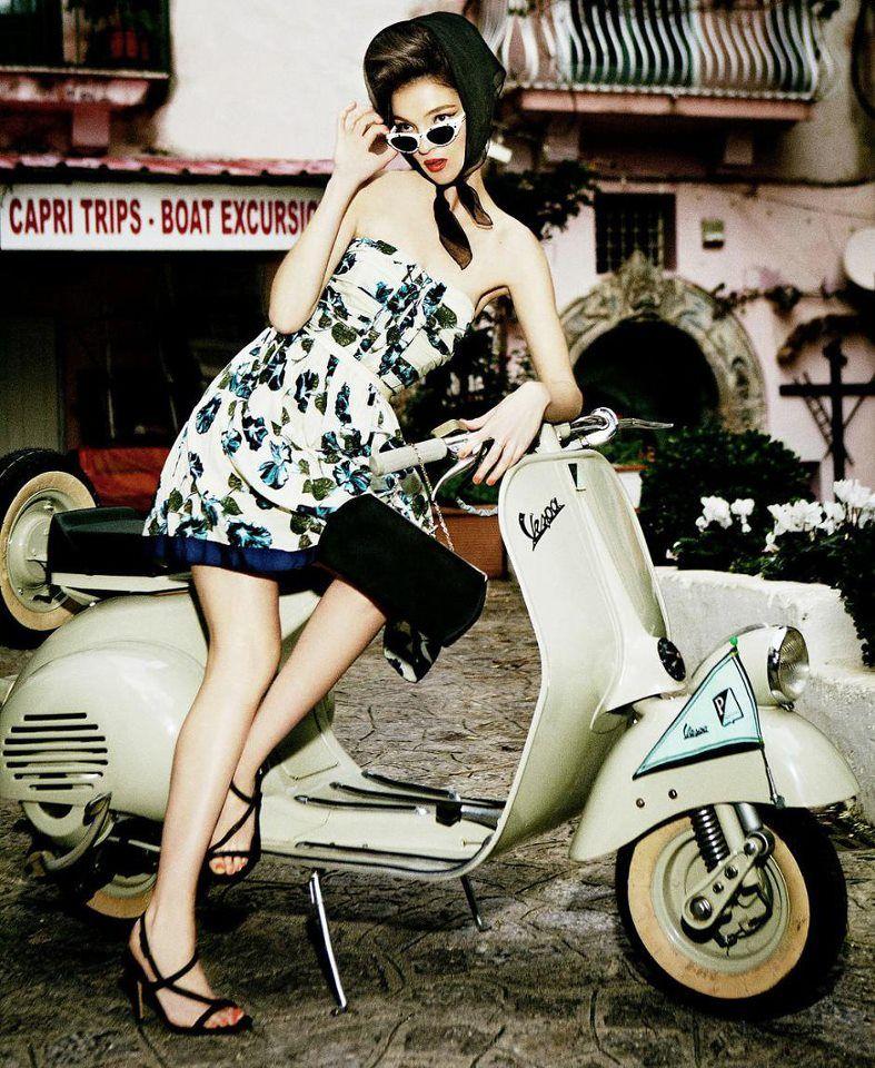 Model: Mariacarla Boscono  Photograper: Ellen Von Unwerth  Alberta Ferretti for Macy's  Spring / Summer 2012