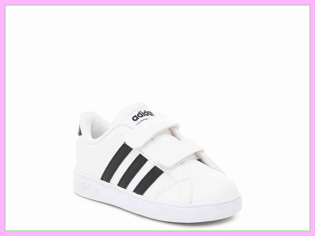 150 reference of baby shoe Tenis adidas