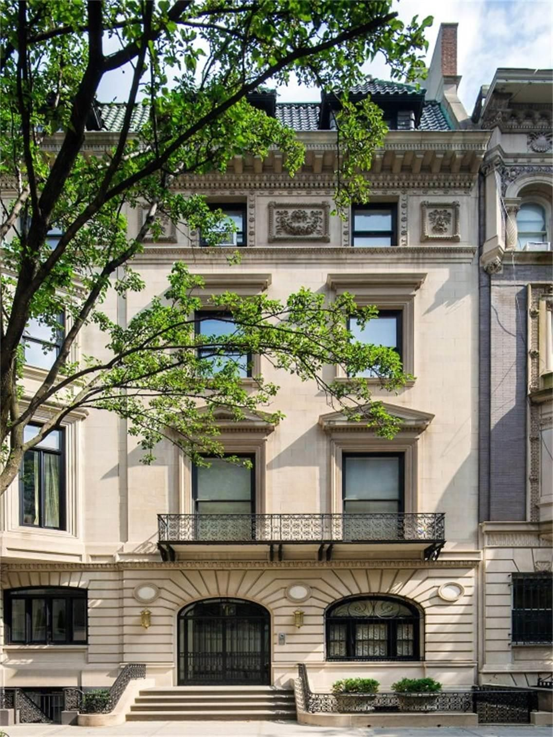 Residential real estate news from The New York Times, covering the five boroughs and beyond.