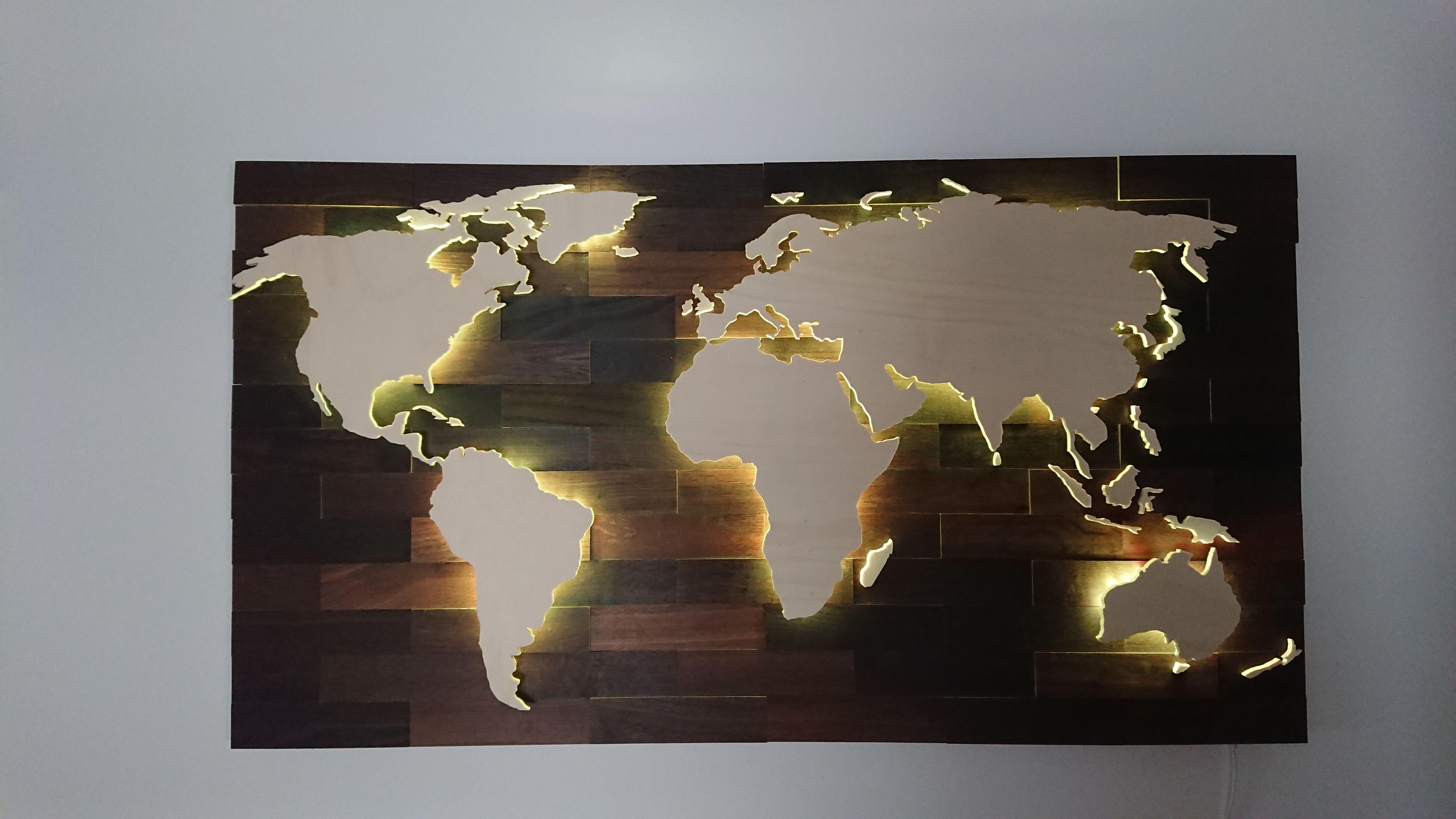3d Weltkarte Aus Holz Mit Led Beleuchtung Die Karte Ist Wifi Fahig Und Lasst Sich Mit Einen Smartphone Steuern D Weltkarte Aus Holz Weltkarte Led Beleuchtung
