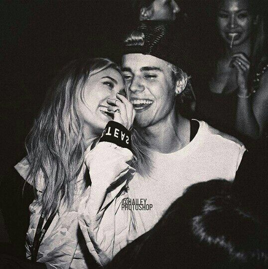 Bieber dating historia