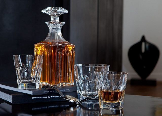 How To Add Some Glamour To Your Whiskey Present Whiskey