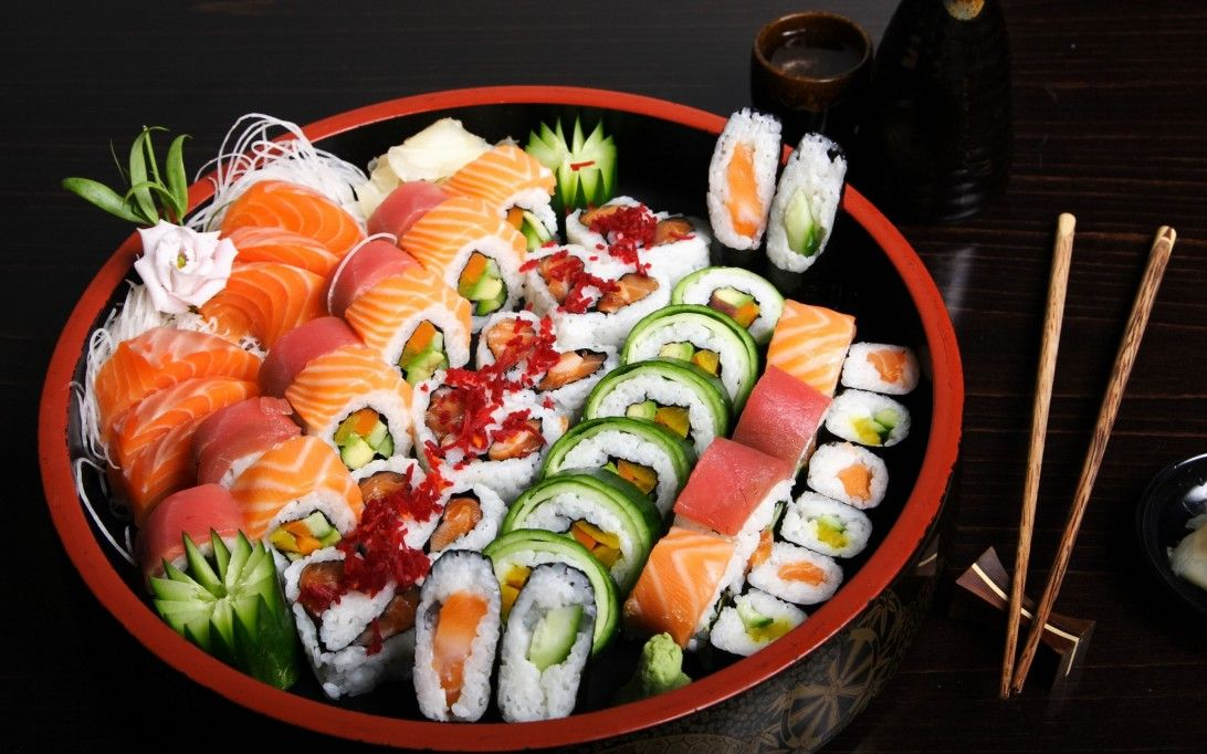 Different Type Of Sushi Rolls Sushi Platter Sushi Asian Recipes