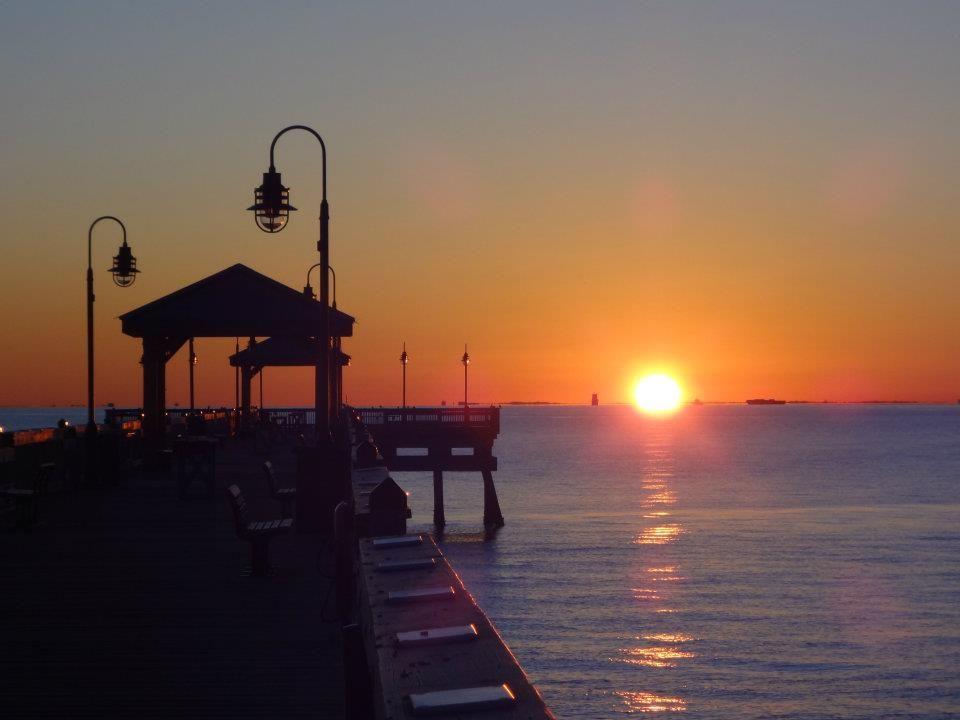 Buckroe Beach Fishing Pier Hampton Va Virginia Is For Lovers Best Places To Live Pier Fishing