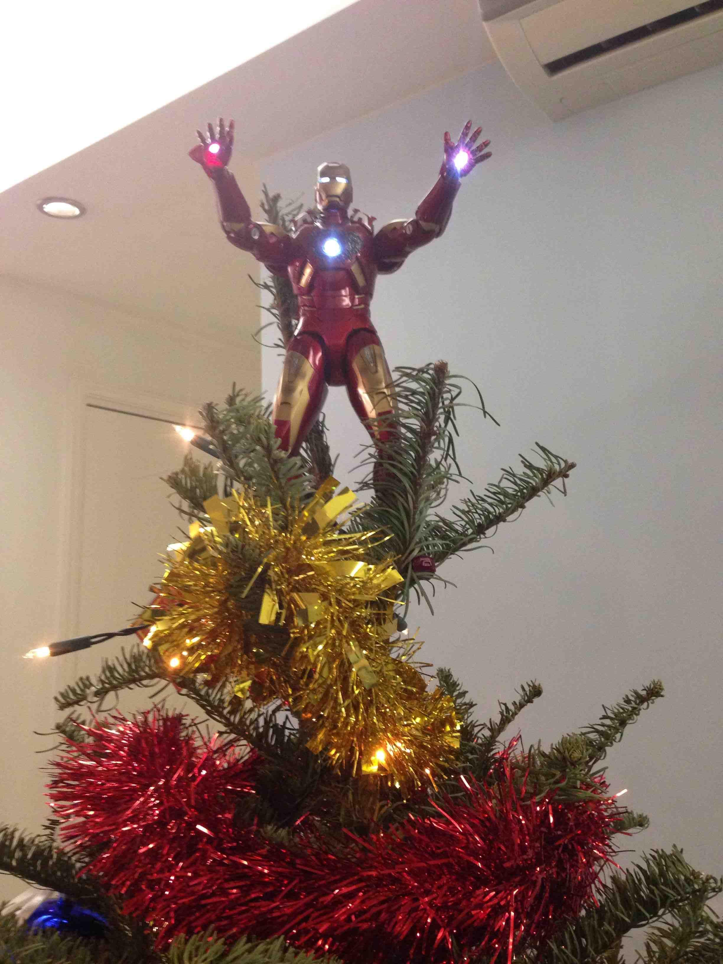A Stark at the top of the Christmas Tree!