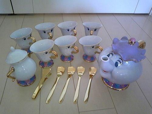 Beauty and the Beast tea set. Ohh my. I NEED THIS.