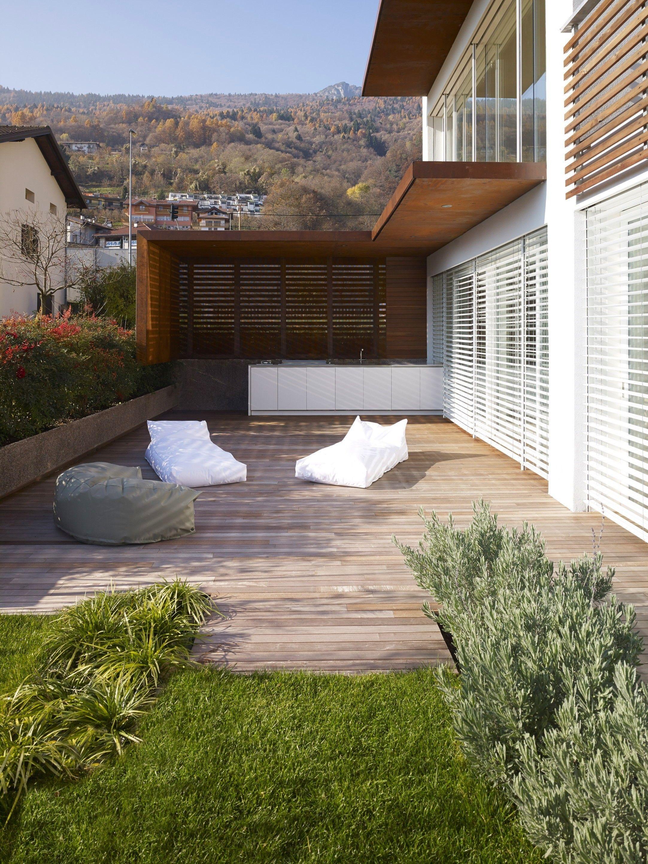 Airy MP Apartment by Burnazzi Feltrin Architetti and Paolo Pegoretti Architetto