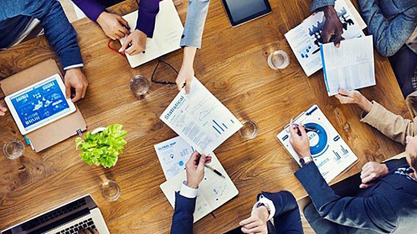 10 Ways to Build a Creative Company Culture