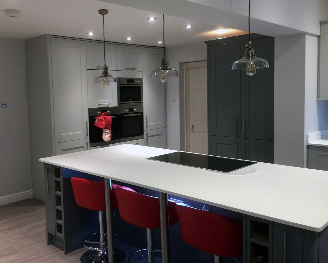Kitchen supplied by Benchmarx Leek. Shaker are a